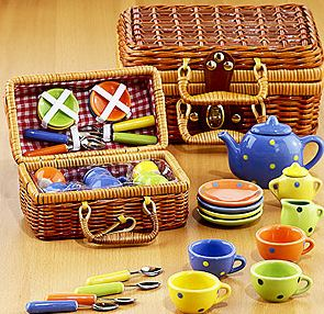Kids picnic basket