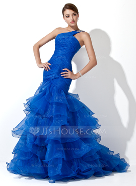 c2e8900e7873b Want to make a splash at your prom? This mermaid style one shoulder dress  is perfect for that. If you don't like the blue, red would be dramatic--so  would ...