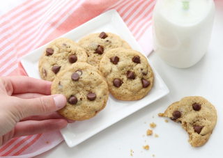 Foodstirs chocolate chip cookies